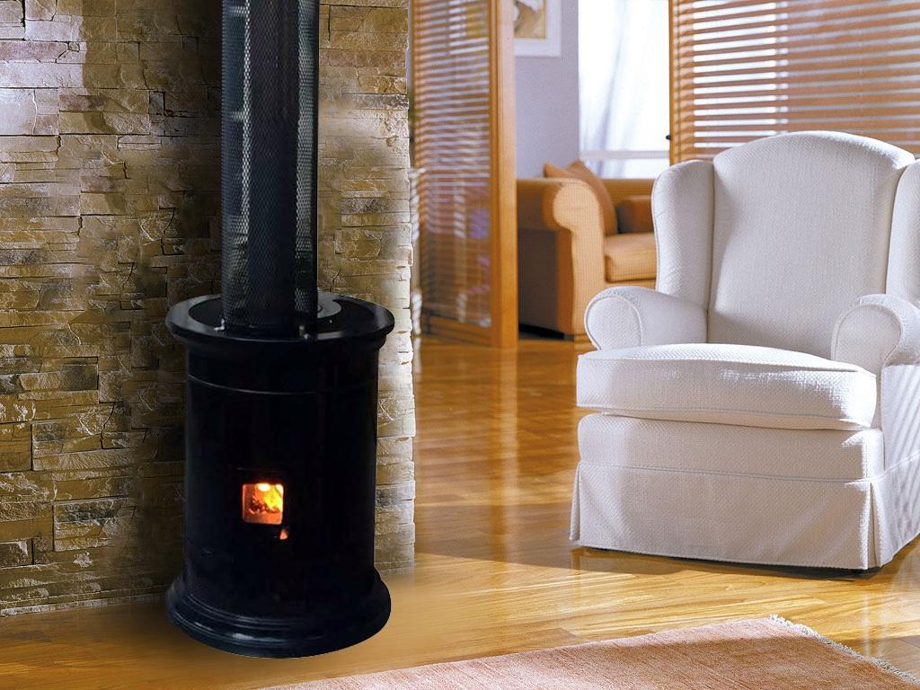 Imagen de calefactor usando pellet dentro de un living